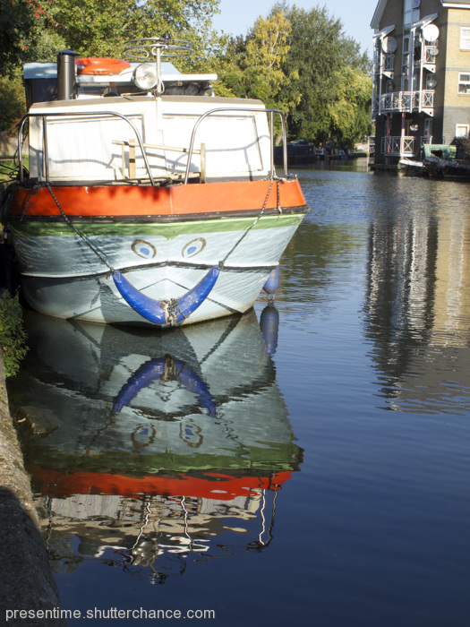 photoblog image Boat Friday - Canalside, Paddington Arm