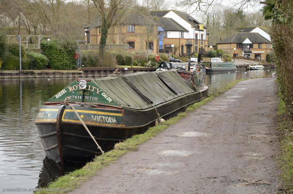 photoblog image Boat Friday (Harefield)
